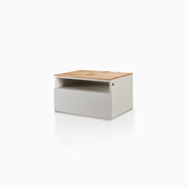 Comodino iGins in Legno di Rovere con 1 cassetto, 1 vano giorno e con zoccolino effetto «vedo-non-vedo».