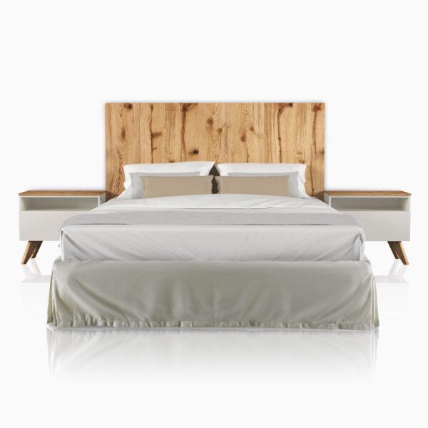 Camera iGins in legno di Rovere attrezzata con boiserie e comodini con 1 cassetto, 1 vano giorno e con piedini.